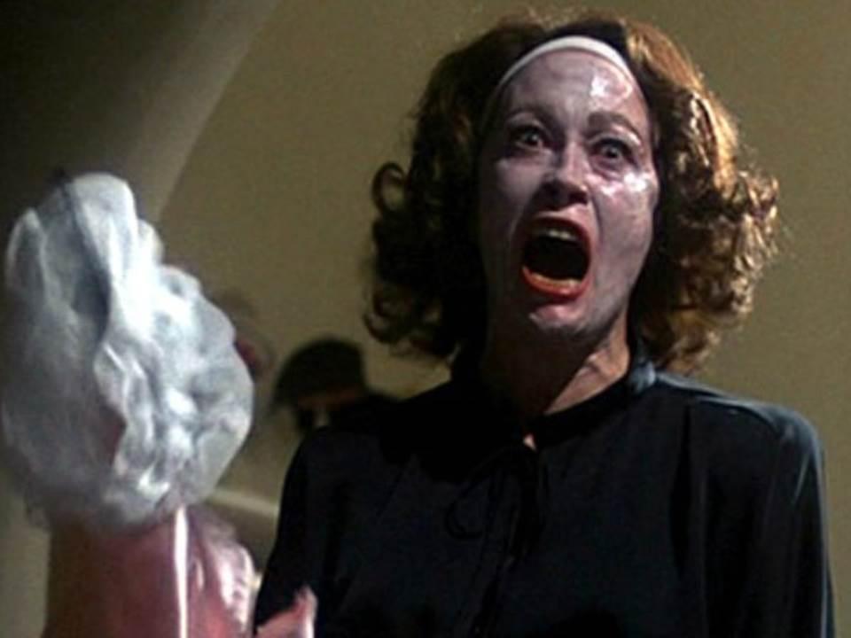 no_wire_hangers_ever_mommie_dearest